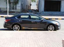 Nissan Altima 2013 For sale - Grey color