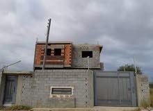 مبني هيكل يتكون من دورين تشطيب درجة اوله من ناحية مواد البناء