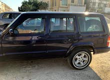 Jeep Cherokee car for sale 1998 in Hawally city