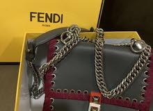 شنطة Fendi قليلة الاستعمال