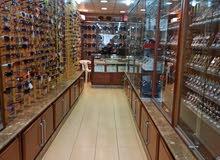 ديكور محل لبيع الاكسسوارات و الساعات. للبيع