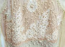 فستان ملكي شبه جديد للبيع