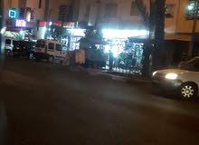 محل تجاري ممتاز للبيع في حي السلام