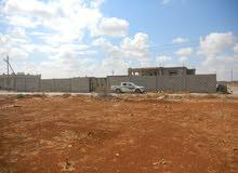 استراحة عظم مشروع رقم 1 - مخطط العواقير ( أرض 800 متر مربع على 3 شوارع ) محاطة بسور