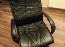 كرسي مكتب بحالة ممتازة للبيع