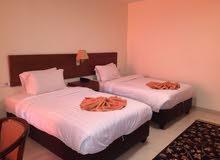 فندق مميز للبيع في جبل عمان مساحه الارض 500م