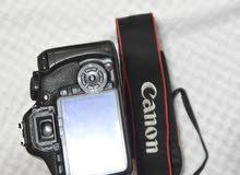 كاميرا كانون 550d مستعملة مع عدسة 18-55 وشاحن