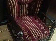 طقم انتريه خشب روماني 2 كرسي وكنبه