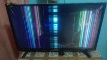 شاشات بلازمة عدد ثنين مكسورة فقط