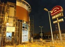 مطلوب فني المنيوم للعمل في مصنع في الرياض