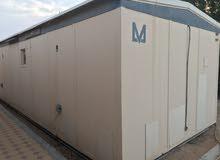 للبيع كرفان ضد الحريق شبه جديد يتكون من غرفتين مع حمامية بكامل اثاثه