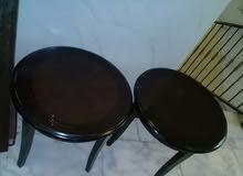 للبيع طقم طاولات عدد 3 مستعمل نظيف ايضا طقم طاولات دائرية 2مستعمل