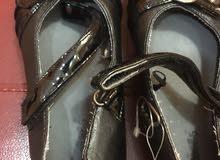 للبيع حذاء ماركة جونيورز من سنتر بوينت للمدرسة مقاس 29-30
