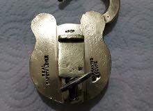 قفل قديم