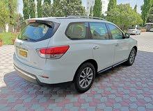V.6 3500 ccنيسان باثفندر 2015 رقم 2 وكاله عمان  نظيف جدا