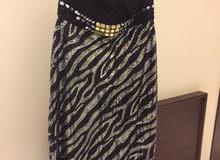 فستان اسود للبيع