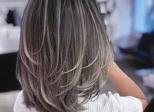 انا مغربي حلااق للنساء صباغ وكرتين وبروتين و تصصف شعر