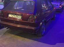 سيارة جولف لون خمري للبيع