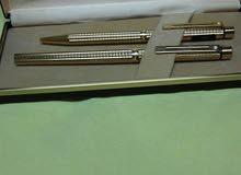 عشاق المقتنيات الفاخره طقم اقلام ذهب ماركة شيفر تارقا امريكى صنع 1982 مختوم غير مستعمل الطقم 2قلم