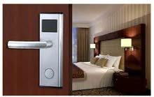 أقفال الفنادق الإلكترونية وموفرات الكهرباء  :
