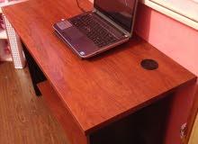 مكتب متوسط الحجم و نظيف جذا للبيع