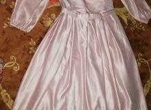 للبيع فستان غير مستخدم ع السوم