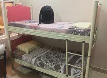 سرير بناتي طابقين مع سرير ولادي ازرق للبيع في اربيل