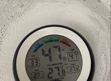 مقياس الحرارة و الرطوبة عملي جدا و مفيد اكثر من رائع