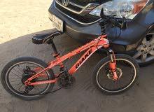 دراجه ايطاليه شبه جديدة نظيفة