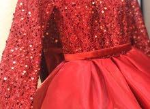 فستان سهرة مستخدم لمرة واحدة فقط له 3شهور على تفصيله