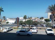 شقة 170 م امام كلية البنات شارع عمر المختار