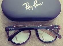 للبيع نظارة نسائية ماركة Ray.Ban