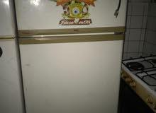مكيفين وثلاجة للبيع