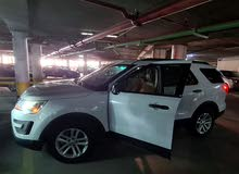 2016 White Ford Explorer (4WD)