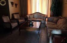 شقة مفروشة مميزة للبيع في ام السماق قرب شارع مكة طابق ثالث 120م بسعر 69000