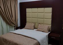 شقة للإيجار غرفة وصالة ومطبخ وحمام مفروشة ونظيفة