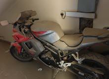 للبيع دراجة نارية شبة جديدة (مخزنة)