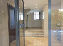 شقة للبيع في بيروت تلة الخياط طابق سابع 200متر بسعر 570000 $