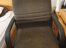 للبيع بحالة جيدة جدا كرسي مكتب.5 عجلات. تحكم بالارتفاع