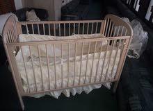 سرير اطفال ماليزي درجه اولى من عمر يوم ل5 سنوات بكامل تجهيزاته