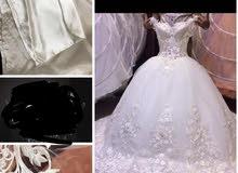 فستان عروس للبيع مع الطرحة