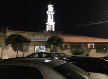 للبيع شقة طابق ثاني تشطيبات وديكورات مميزة في البتراوي قرب مسجد قباء