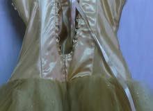 فستان ذهبي مع سكربينة