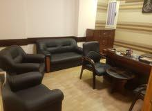 مكتب راقي جدا ومجهز على اعلى مستوى للبيع او البدل بشقه فالقاهره على نفس المستوى
