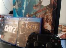 PS4 للبيع معاه يد وحده و 2دسكات جهاز نظيف