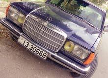 Used condition Mercedes Benz E 230 1984 with 0 km mileage