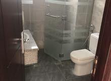 للايجار فيلا مستقله ثاني ساكن 5 غرف ومجلس وصالتين ب 220 الف