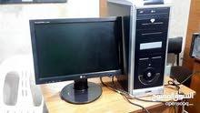 كمبيوتر كامل مع سماعات وكيبورد وماوس