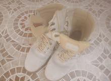 حذاء للبيع