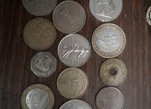 نقود معدنية قديمة من دول مختلفة